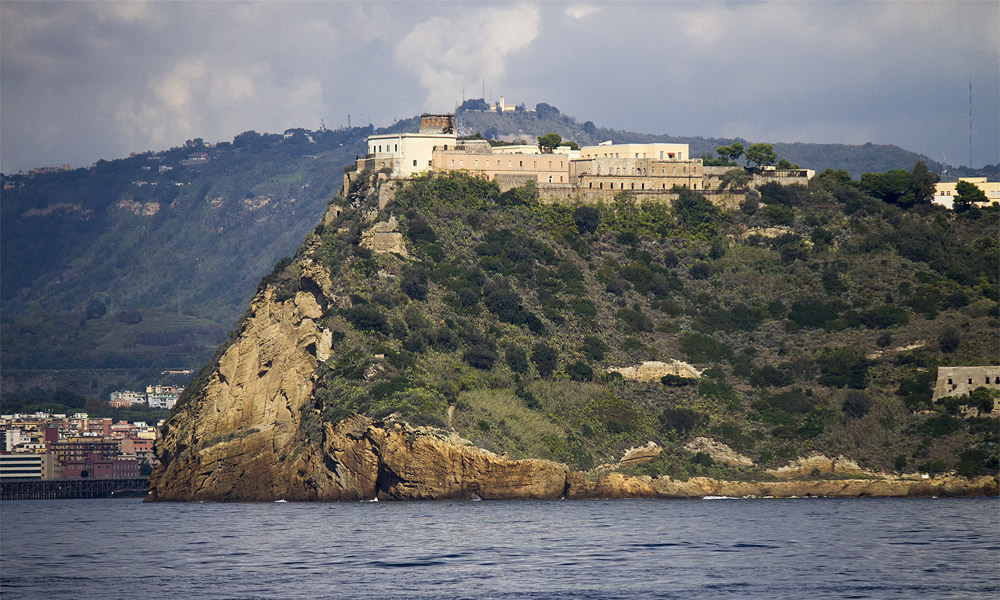Nisida-castello-Napoli