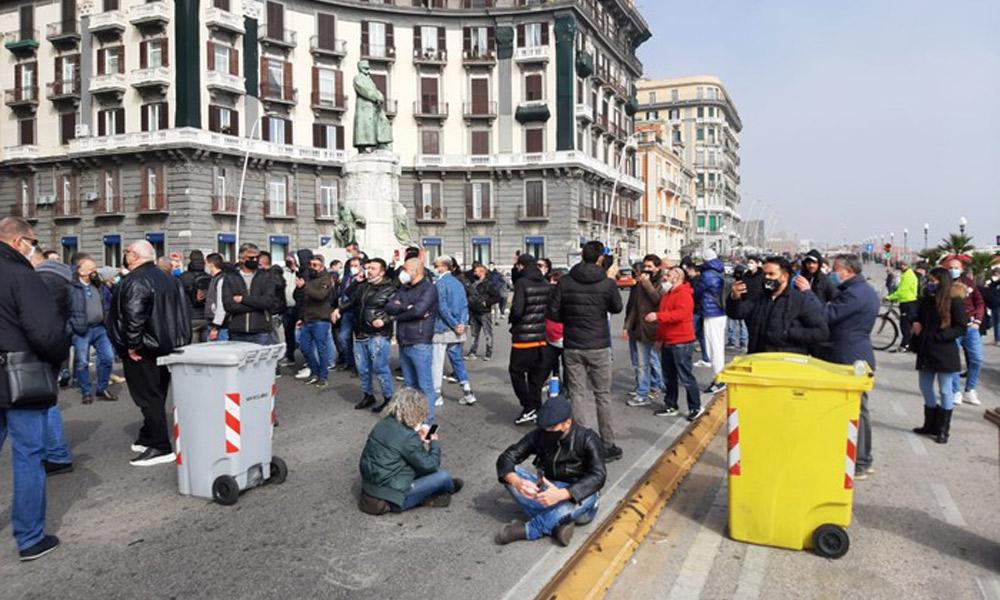 ristoratori-protesta-lungom
