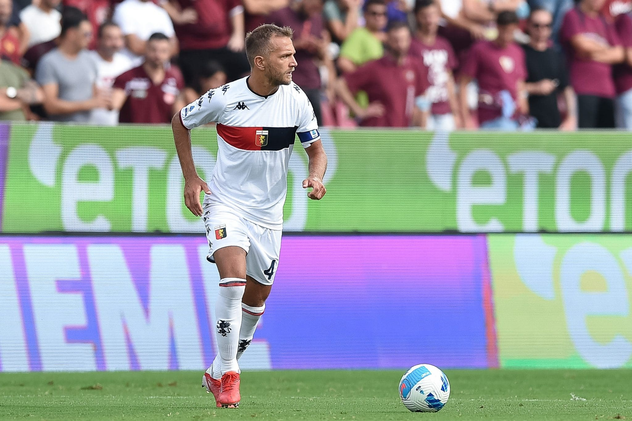 Domenico Criscito of Genoa CFC during the Serie A match between US Salernitana 1919 and  Genoa CFC at Stadio Arechi, Salerno, Italy on 2 October 2021.  (Photo by Giuseppe Maffia/NurPhoto via Getty Images)