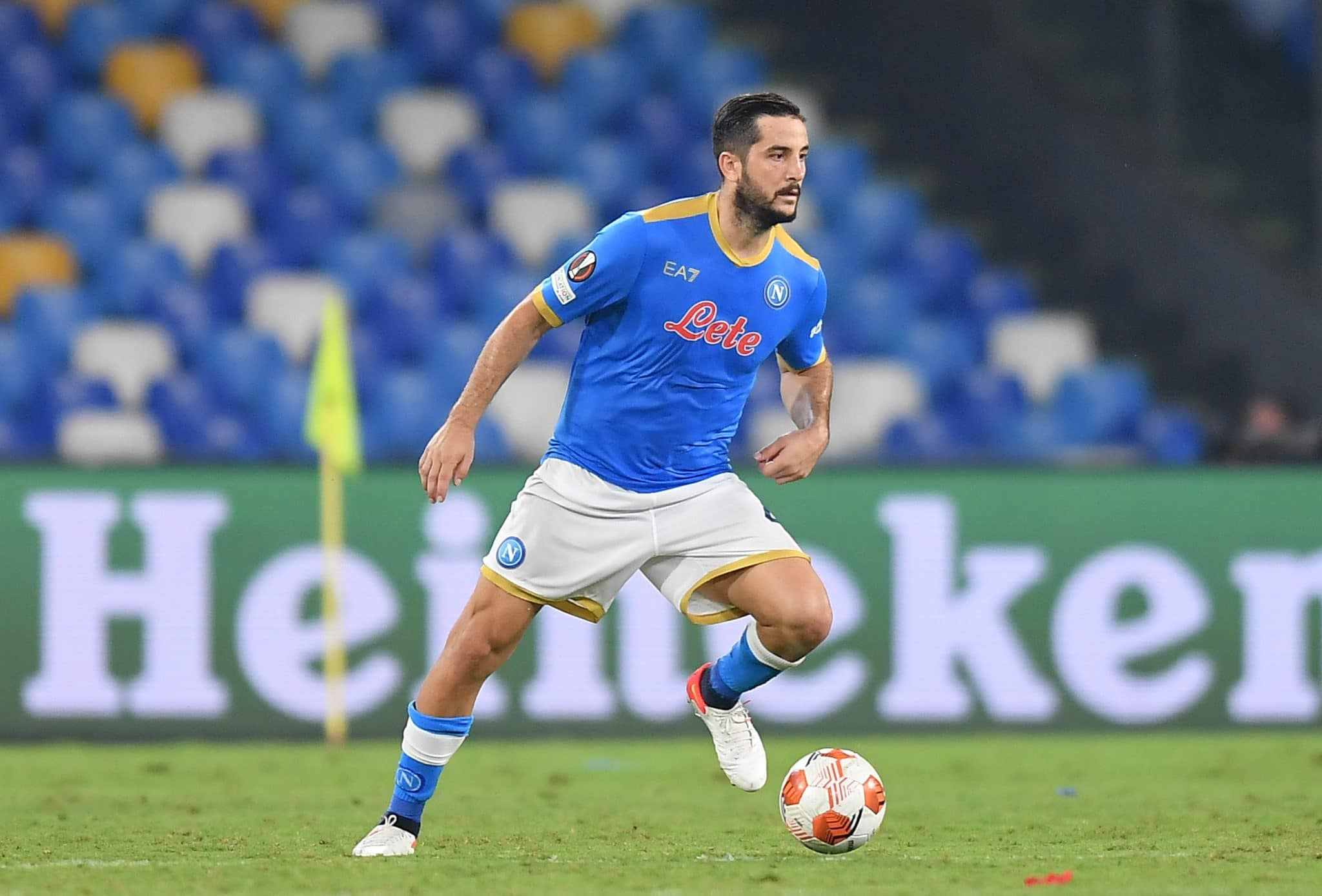 NAPLES, ITALY - SEPTEMBER 30: Konstantinos Manolas of SSC Napoli controls the ball during the UEFA Europa League group C match between SSC Napoli and Spartak Moskva at Stadio Diego Armando Maradona on September 30, 2021 in Naples, Italy. (Photo by Francesco Pecoraro/Getty Images)