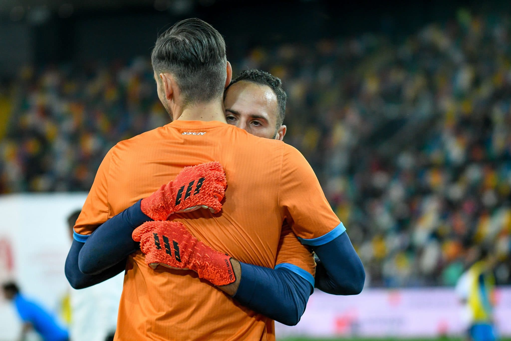 Alex Meret (Napoli) hugs David Ospina (Napoli) during the Italian football Serie A match Udinese Calcio vs SSC Napoli on September 20, 2021 at the Friuli - Dacia Arena stadium in Udine, Italy (Photo by Ettore Griffoni/LiveMedia/NurPhoto via Getty Images)