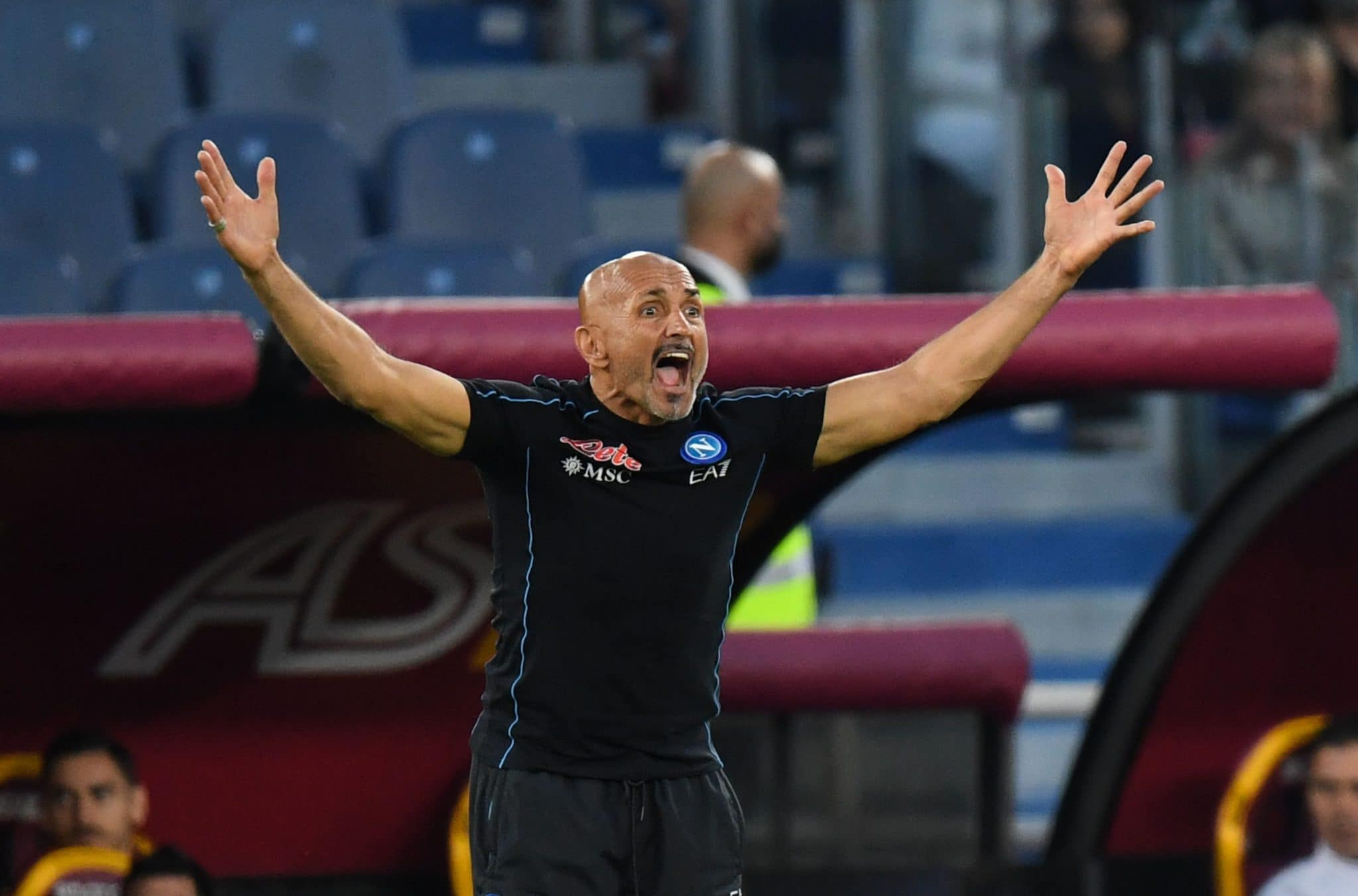 ROME, ITALY - OCTOBER 24: Luciano Spalletti head coach of SSC Napoli gestures during the Serie A match between AS Roma and SSC Napoli at Stadio Olimpico on October 24, 2021 in Rome, Italy. (Photo by Silvia Lore/Getty Images)