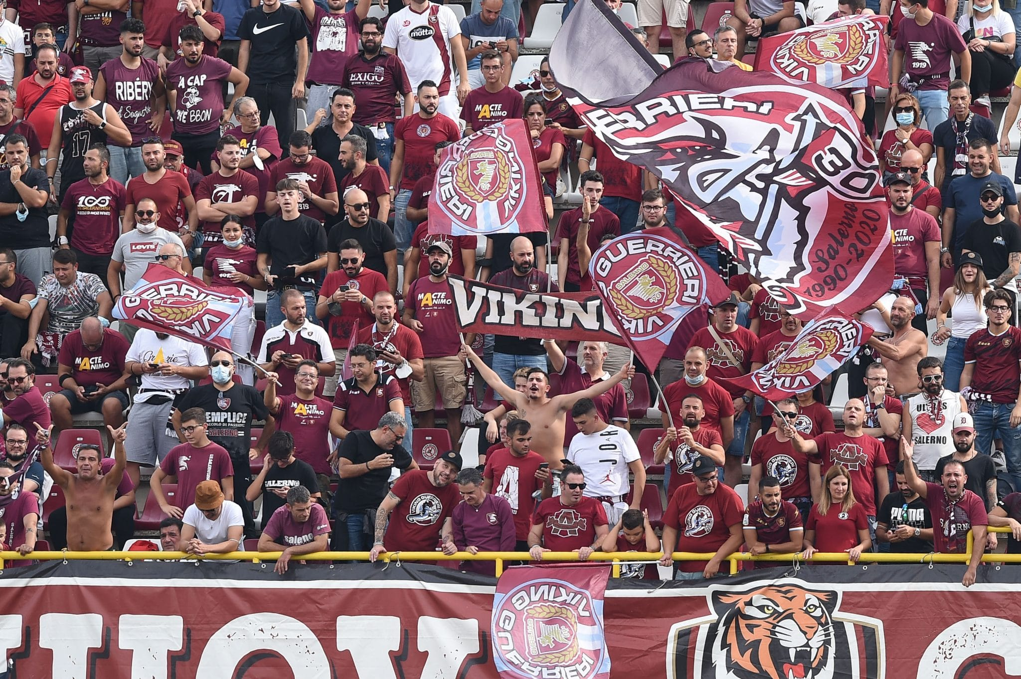Supporters of US Salernitana 1919 on the stands during the Serie A match between US Salernitana 1919 and  Genoa CFC at Stadio Arechi, Salerno, Italy on 2 October 2021.  (Photo by Giuseppe Maffia/NurPhoto via Getty Images)